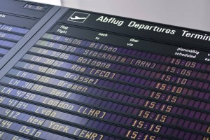 Eine wichtige Frage für alle Reisenden: Wie pünktlich finden Starts und Landungen auf den Flughäfen statt?