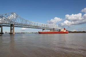 Der Mississippi ist ein 3778 Kilometer langer Strom. Er entspringt dem Lake Itasca und mündet in den Golf von Mexiko.