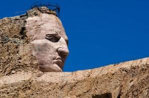 Das Crazy Horse Memorial ist eine im Bau befindliche monumentale Skulptur zu Ehren des Oglala-Lakota-Indianers Crazy Horse.