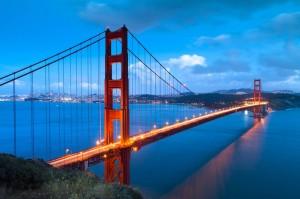 Die Golden Gate Bridge ist eine Hängebrücke am Eingang San Franciscos. Sie ist zugleich das Wahrzeichen der Stadt.