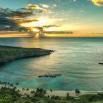 Hanauma Bay ist ein erloschener Vulkankrater auf der Hawaii-Insel Oʻahu.