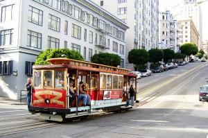 Eines der weltweit bekannten Wahrzeichen von San Francisco sind die Cable Cars.