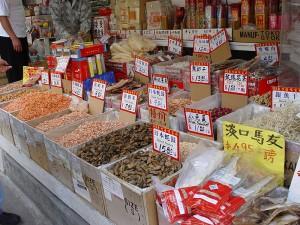 Im Viertel Chinatown des New Yorker Stadtbezirks Manhattan dreht sich auch kulinarisch alles um das asiatische Land. Foto: Martin Dürrschnabel