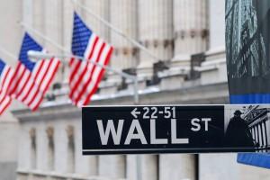 Wer sich für das westliche Wirtschaftssystem erwärmt, dem wird beim Anblick der Nasdaq-Laufbänder am Times Square und des Börsengebäudes in der Wall Street ganz heiß.