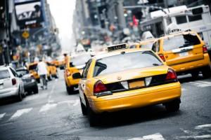 Die New York City Taxi Cabs sind mit ihrer unverwechselbaren gelben Farbe ein Symbol der Stadt.