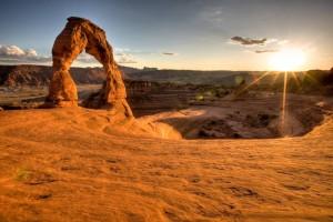 Im Arches Nationalpark sind über 2000 Steinbögen mit einer Öffnung von mindestens 90 cm nachgewiesen.