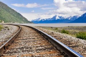 Natürlich dient die Eisenbahn als Transportmittel. Die atemberaubende Schönheit mancher Strecken lässt sich dennoch nicht verbergen.
