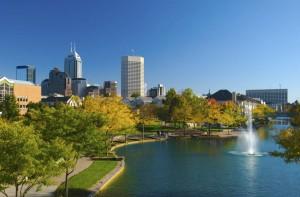 Mit circa 830.000 Einwohnern ist Indianapolis nicht nur die Hauptstadt, sondern auch die größte Stadt des US-Bundesstaates Indiana.