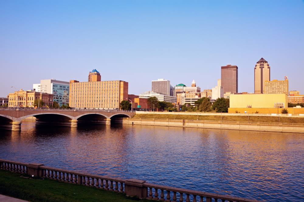 Mit über 200.000 Einwohnern ist Des Moines die Hauptstadt und die größte Stadt des US-Bundesstaates Iowa.