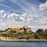 Alcatraz ist etwa 500 Meter lang und bis zu 41 Meter hoch.