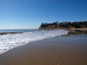 Cabrillo Beach: Während an einem Ufer gesurft wird, besteht die Aktivität auf der anderen Seite vornehmlich aus Entspannung.