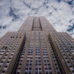 In unmittelbarer Nähe des Empire State Buildings befinden sich weitere Sehenswürdigkeiten, z. B. der Times Square.