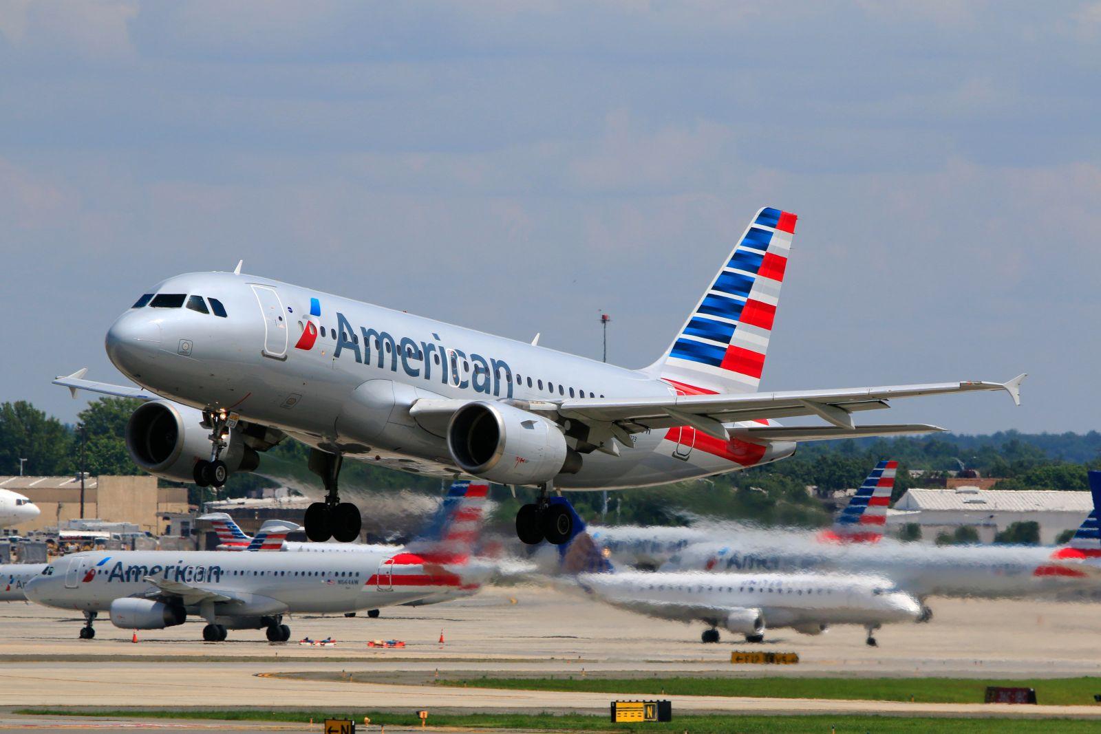 Die Beliebtheit der USA als Reiseziel ist ungebrochen und so wird auch das Flugangebot in die Vereinigten Staaten immer wieder einmal verbessert. Ein Anbieter, der sein Angebot für Deutschland erweitert und ab 2019 gleich drei neue Routen ins Land der unbegrenzten Möglichkeiten anbietet, ist American Airlines.