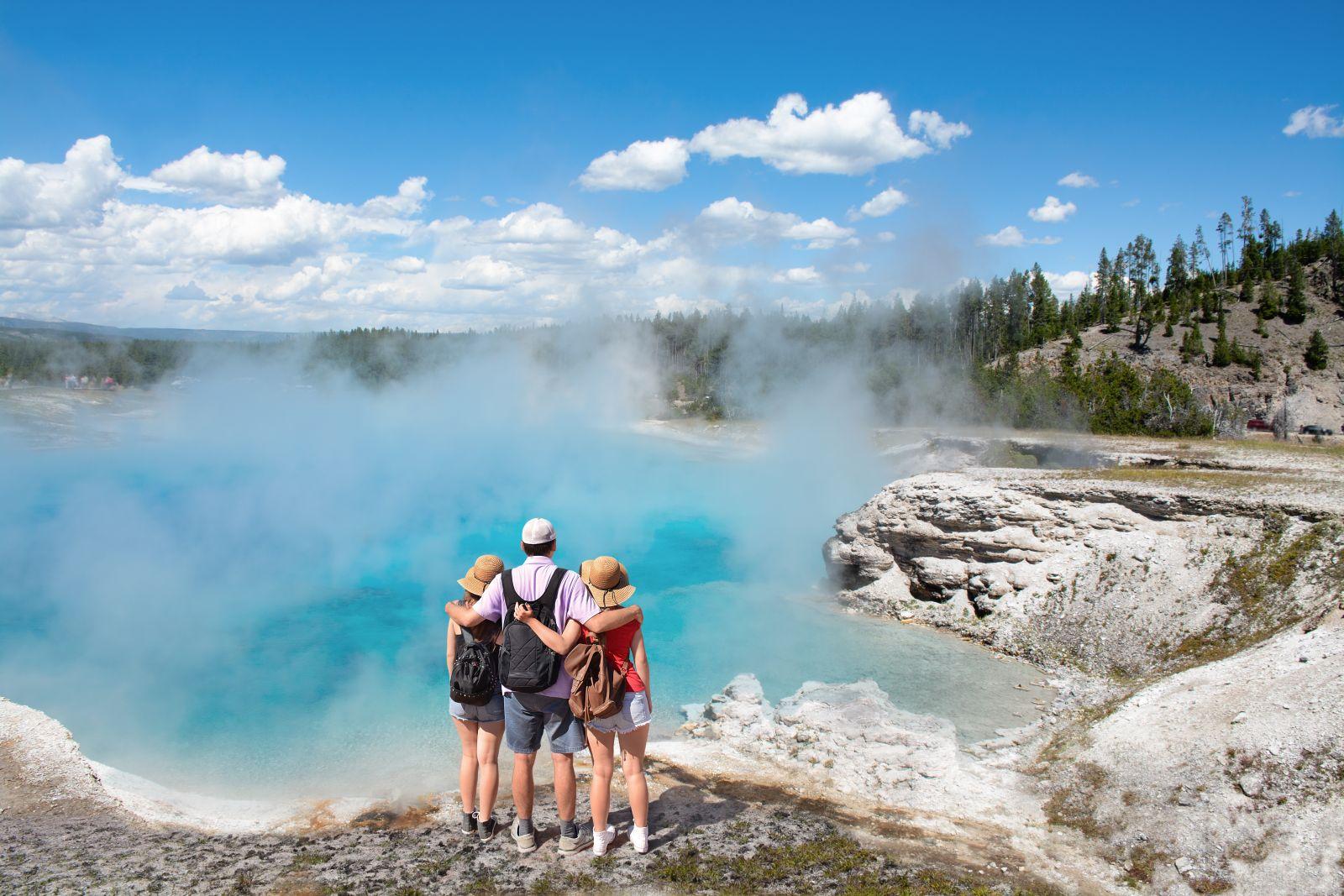 Das Wandern ist eine sehr beliebte Aktivität im Yellowstone-Nationalpark.