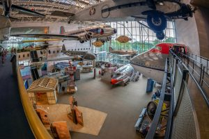 Das National Air and Space Museum ist ein der Smithsonian Institution angegliedertes Museum.