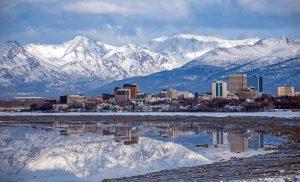 Anchorage ist mit Abstand die größte Stadt Alaskas.