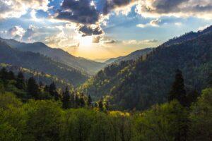 Morton Overlook im Great-Smoky-Mountains-Nationalpark bietet einen hervorragenden Blick auf den Sonnenuntergang.